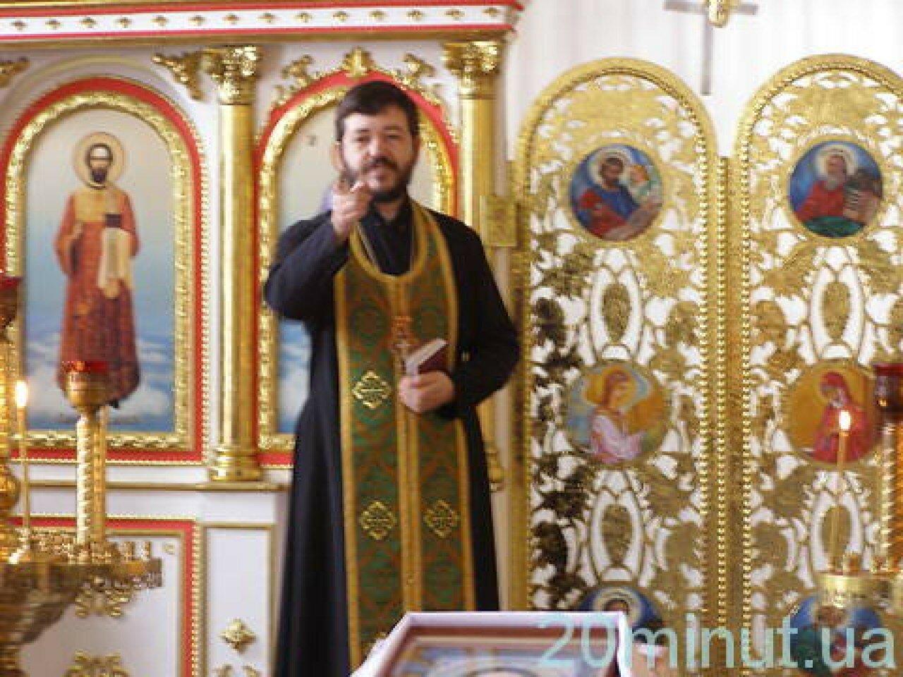 отець Микола Мельник