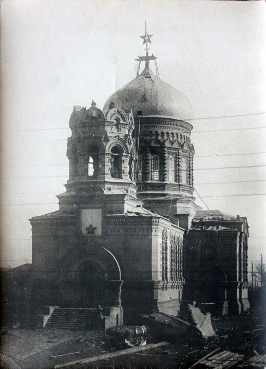 Руйнування церковної дзвіниці у Макіївці на Донеччині