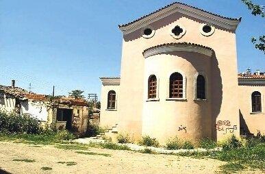 Церква в Менемен Туреччина